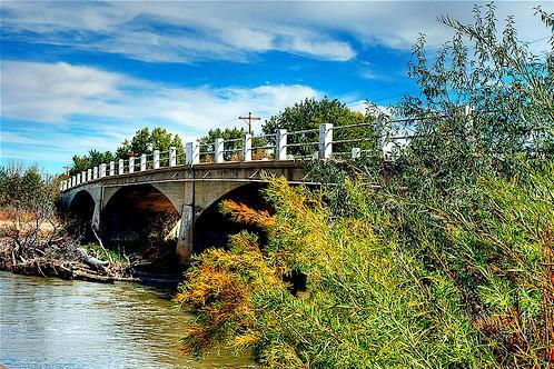Avondale Bridge, Pueblo County, Colorado. Image: Thad Roan via Wikimedia Commons.