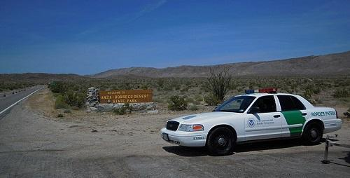 Border Patrol at California checkpoint. Image: Florian via Wikimedia Commons