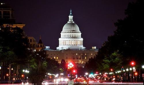CapitolBuldingWasingtonNightImageZachRudisinWikimediaCommons
