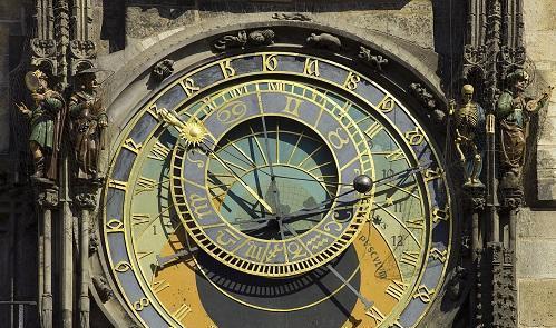 ClockAstronomicalPragueImageGodot13ViaWikimediaCommons