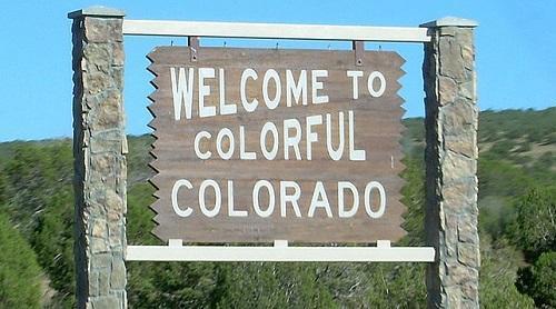 ColoradoWelcomeSignSizedImageErgoSum88ViaWikimediaCommons