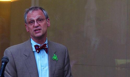 CongressmanEarlBlumenauer2009ImageWikimediaCommons