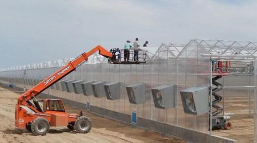 Construction on a GrowCo marijuana greenhouse in Colorado. Image: GrowCo via Denver Business Journal