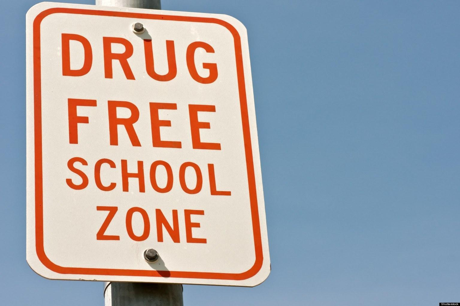 Image of a Drug Free School Zone sign