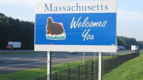 MassachusettsWelcomeSignImagePikeSpiceViaWikimediaCommons