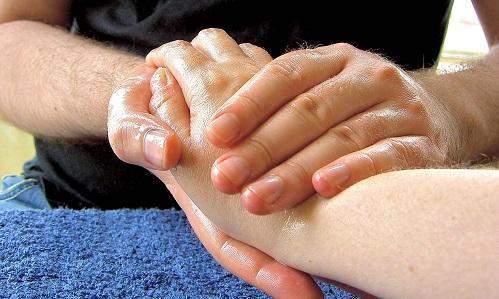 MassageHandImageLubyankaWikimediaCommons