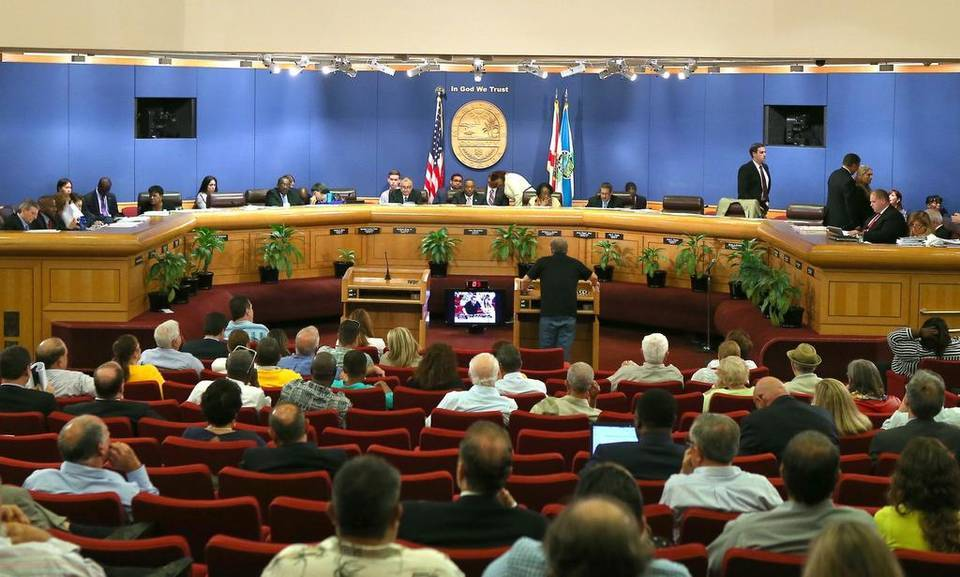 The Miami-Dade County commission meets on Tuesday, June 30, 2015. David Santiago ? El Nuevo Herald