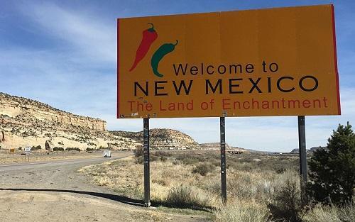 NewMexicoWelcomeSignImageFamartinViaWikimediaCommons