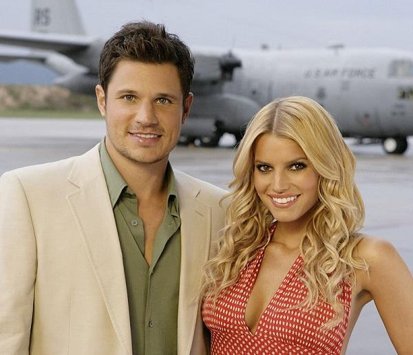 Nick Lachey and Jessica Simpson at the Headquarters of US Marine Corps, 2005. Image: Craig Sjodin via Wikimedia Commons