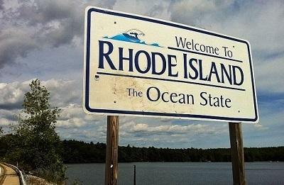 RhodeIslandWelcomeSignImageMorrowLongViaWikimediaCommons