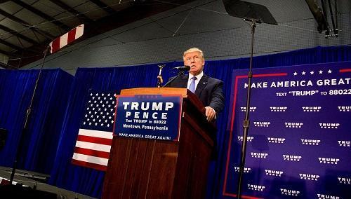Trump Rally 10 21 16ImageMichaelCandeloriViaWikimediaCommons
