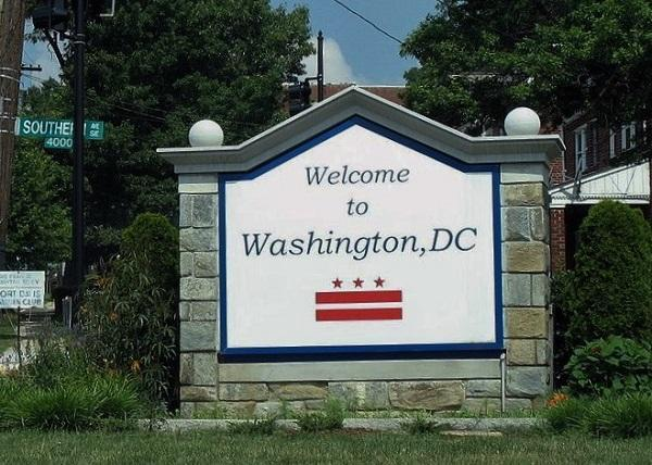 Washington, D.C. welcome sign. Image: MPD01605 via Wikimedia Commons